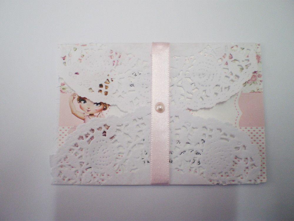 convite bailarina c/envelope rendado e fita de cetim e pedrinha <br>impresso em papel couche 230g <br>tamanho do convite 12 x 8,5 cm <br>Pedido minimo 30 pçs