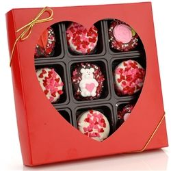 Box of 9 Romantic/Valentine Chocolate Dipped Oreos® - Order now for Delivery on Valentine's Day! We can't think of a sweeter way to tell your sweetheart how much they mean to you. These oreos® are dipped in your choice of delicious fine gourmet chocolates - dark, milk or white - and decorated with an assortment of 100% Hand Made Royal Icing Decorations - hearts, rose buds and flowers.