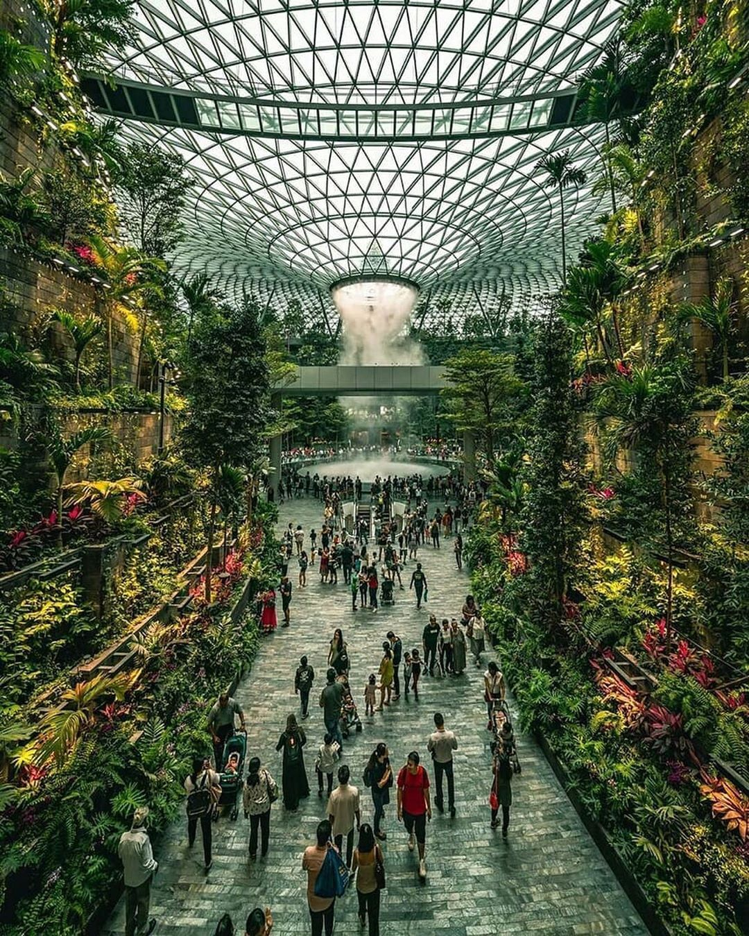 Look Inside The New 1 3 Billion Complex At Singapore S Changi