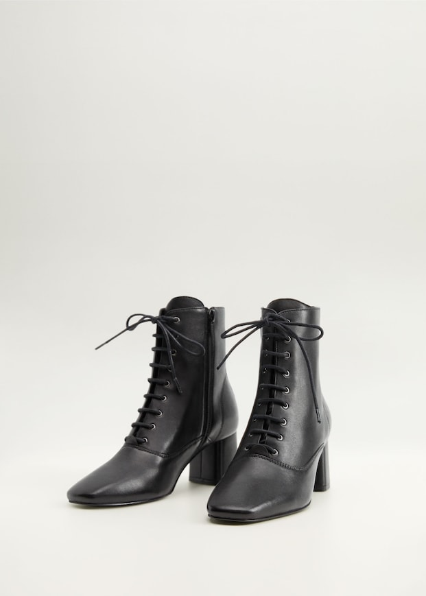 Lace-up leather boots - Woman   Mango