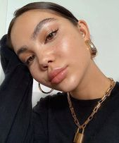 Clean Minimal Glowing Skin Makeup Look Everyday Minimal Glam Inspo No Makeup Mak