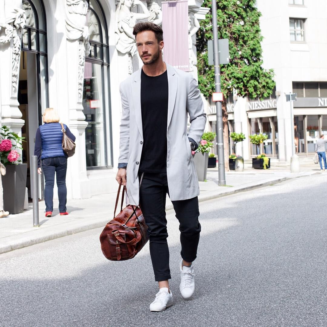 White t shirt fashion tips - 10 Ways To Wear Your Favourite Tee With An Overcoat