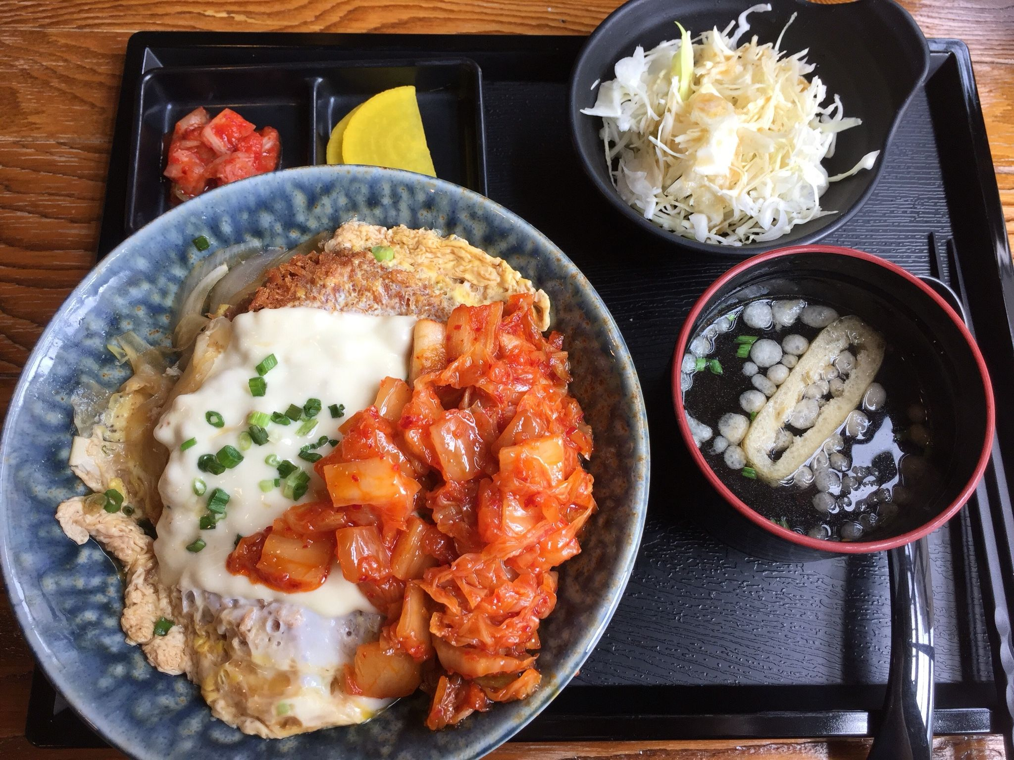 2016.6.8 점심. 김치 가츠동