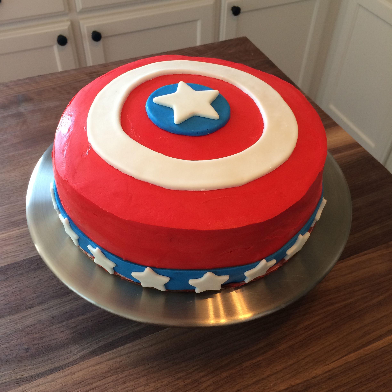 I made this Captain America Ice Cream Cake for my nephews birthday
