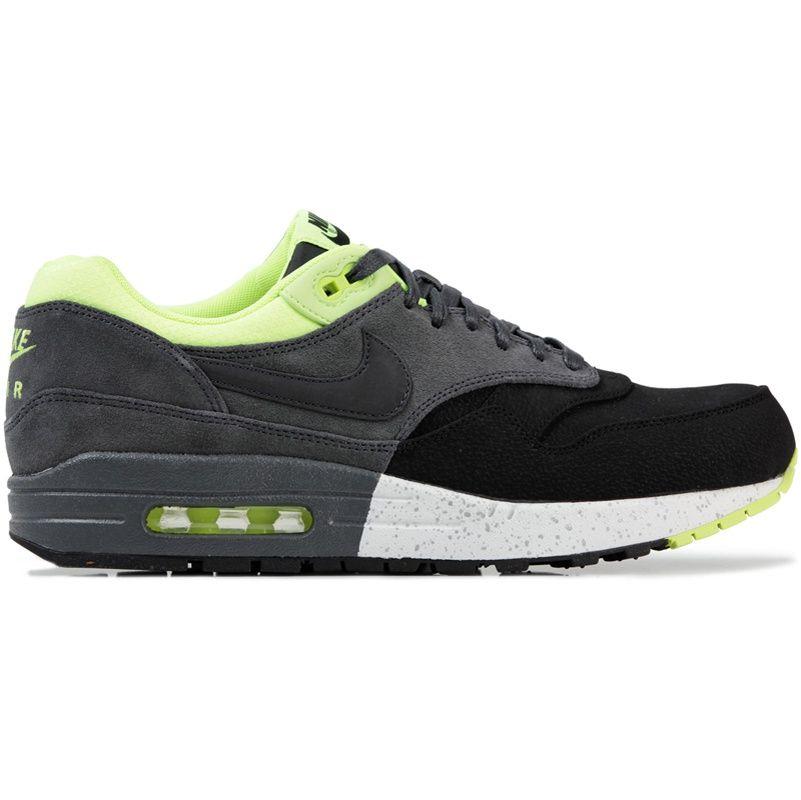 Nike Sportswear x Liberty London