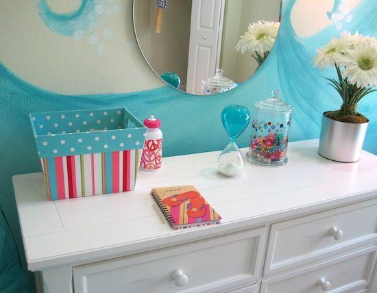 Dresser in beach theme bedroom kid creative spaces for Beach themed bedroom ideas pinterest