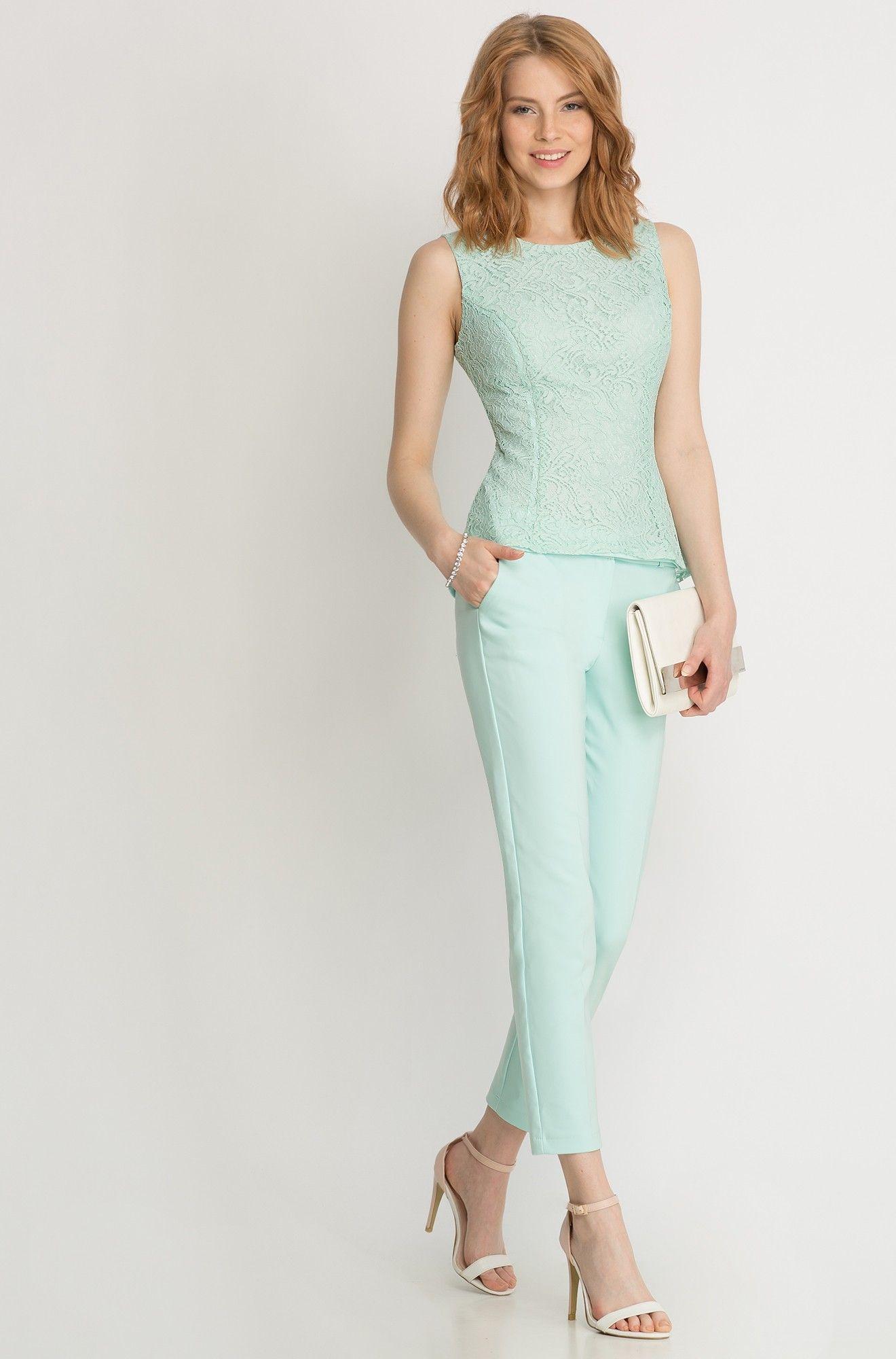 Bluse aus Spitze mit Schößchen | ORSAY | Kleidung | Pinterest