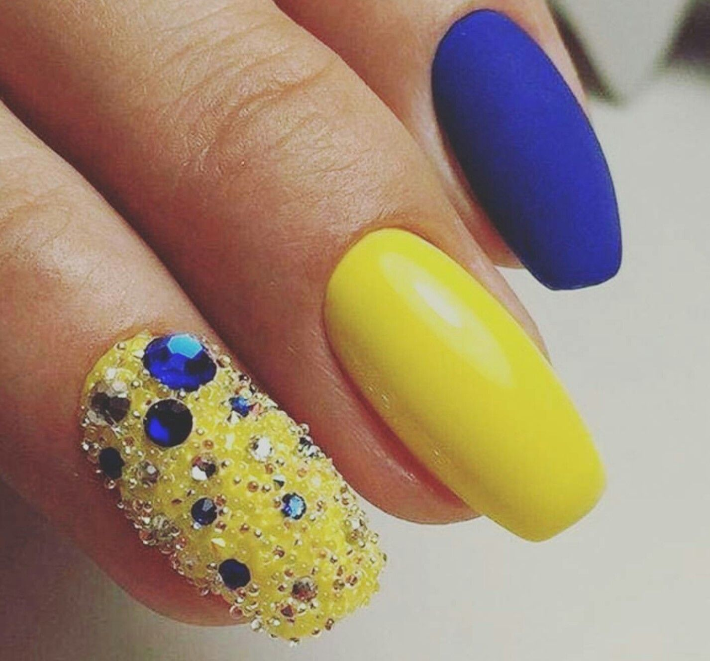 43 Lovable Yellow Nail Art Design To Inspire Your Summertime