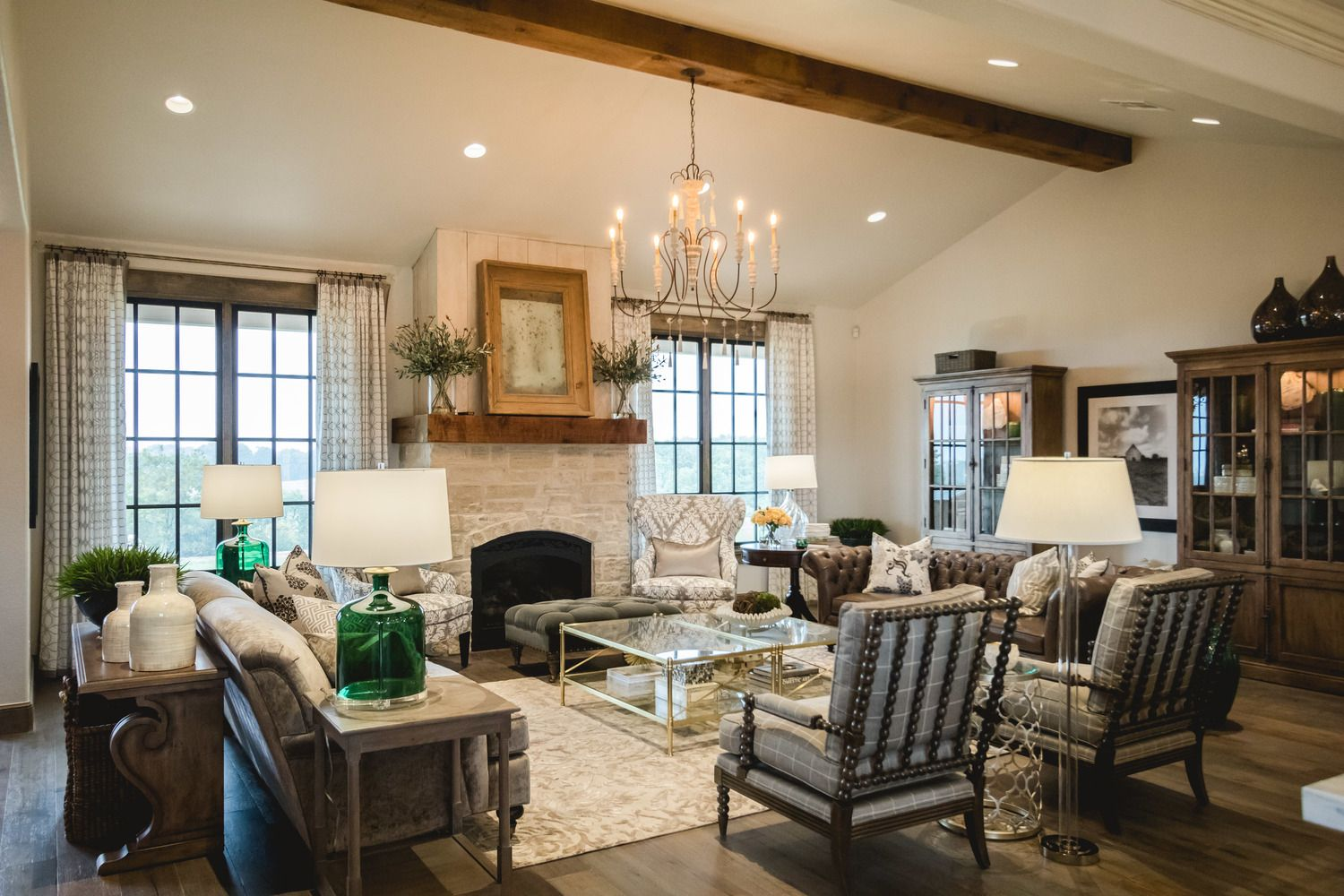 Pin By Kathy Engel On Intrare Interior Design French Country Living Room Interior