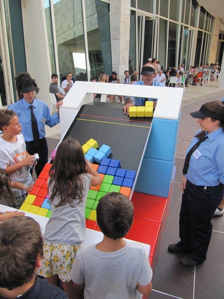 Life Size Tetris Referencias Btl Pinterest Juego Actividades