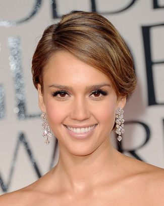Jessica Alba In Over Sized Diamond Drop Earrings Hair Beauty Beauty Eyes Hair Makeup