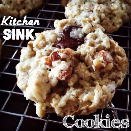 Kitchen Sink Cookies: chewy oatmeal cookies with dark chocolate, craisins and pecans #dairyfree