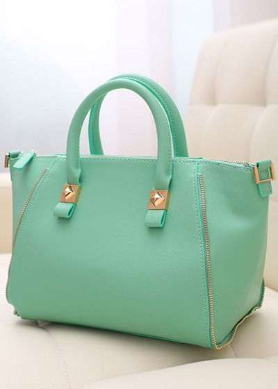 So Cheap!! I m gonna love this site!C-oach handbags outlet discount  site!!Check it out!! it is so cool. 91169b08d8db2