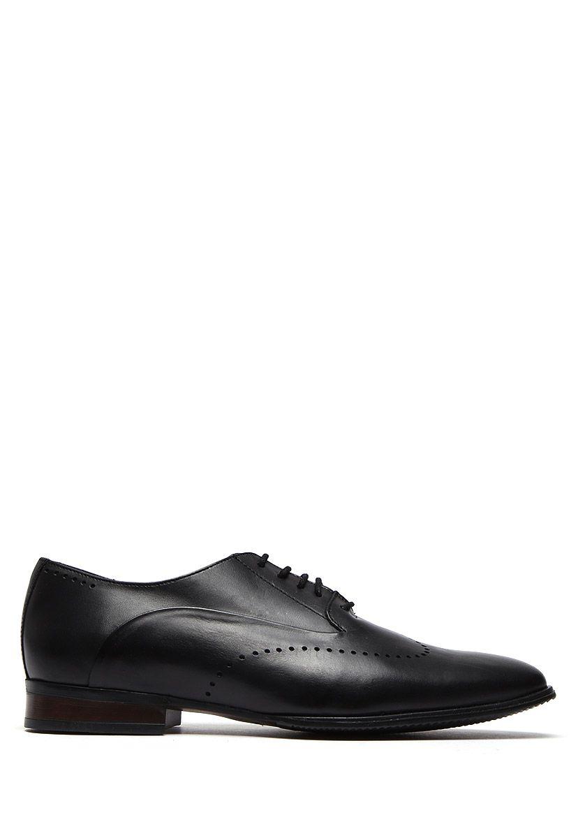927356dda7a Zapato Negro con Agujeta