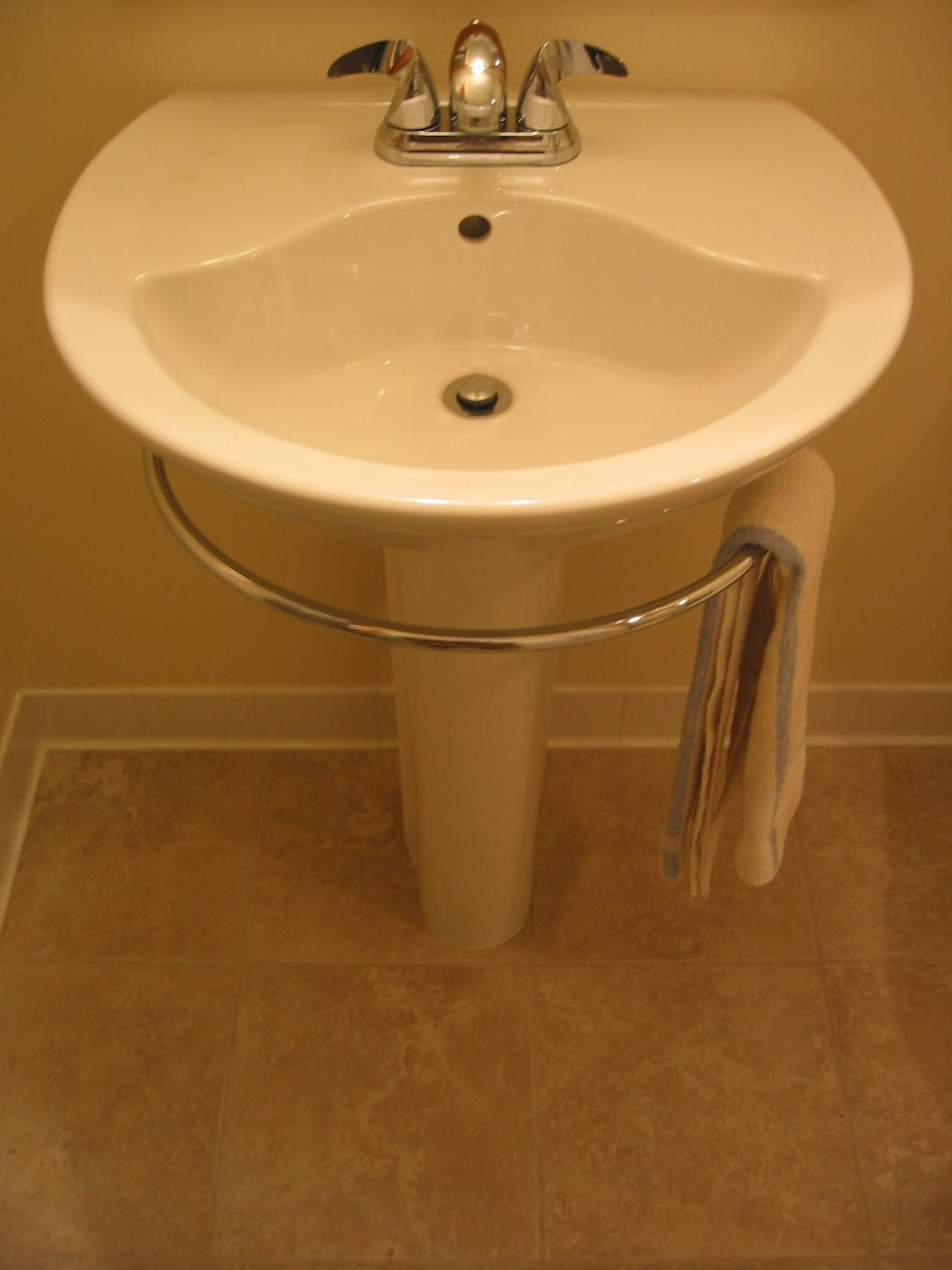 Pedestal Sink Towel Bar