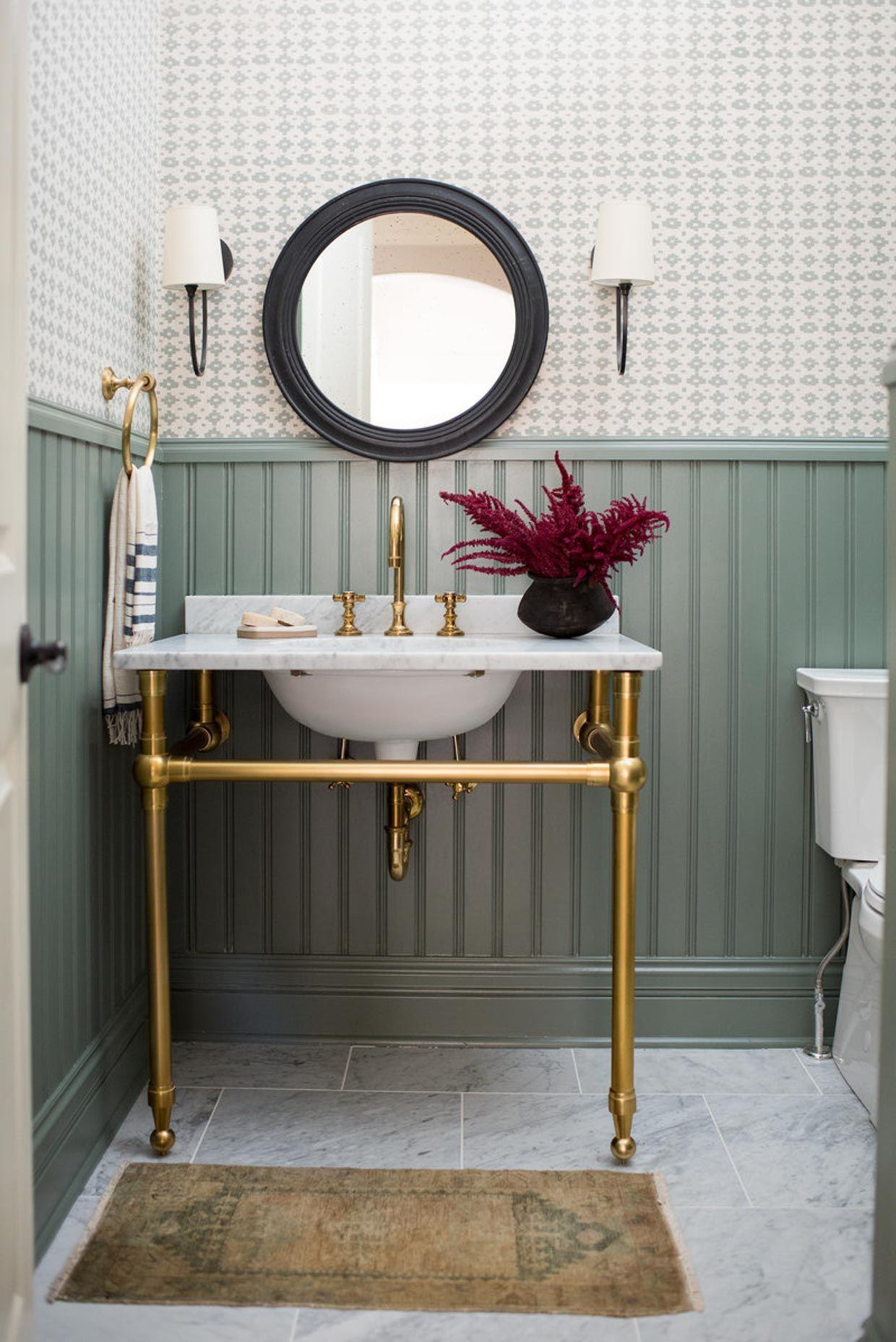 Small Bathroom Wallpaper Ideas Poor Little It Girl In 2020 Small Bathroom Wallpaper Bathroom Wallpaper Bathroom Inspiration