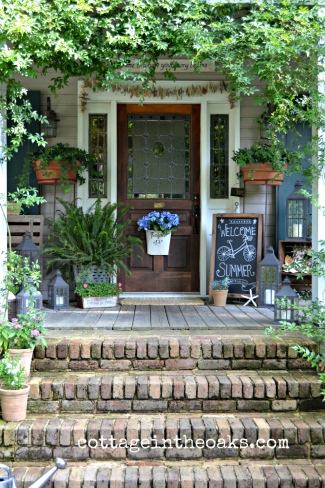 Summer front porch 2013 sea shells summer and front porches Cottage porch decorating ideas