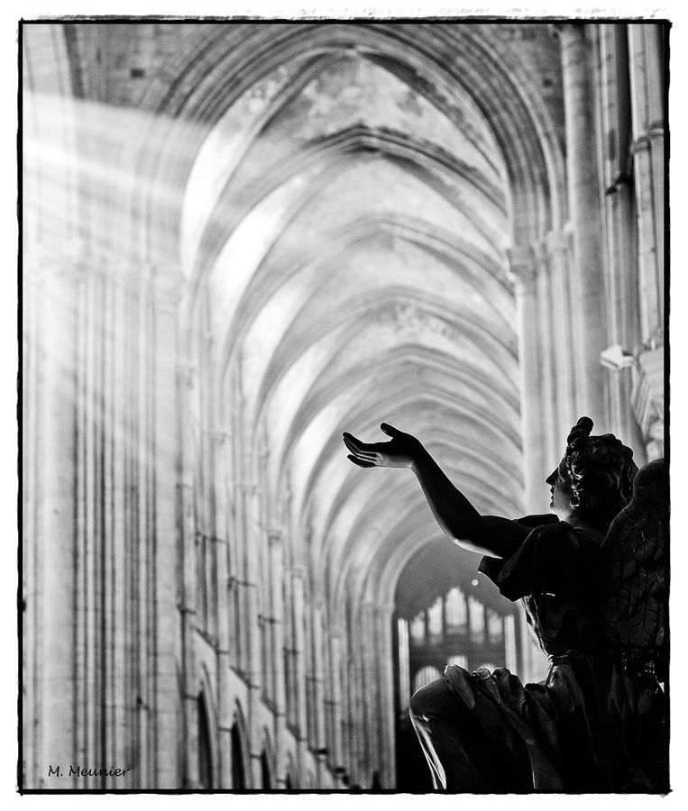 Natural Light In The Cathedral Of Lisieux  Lumi U00e8re