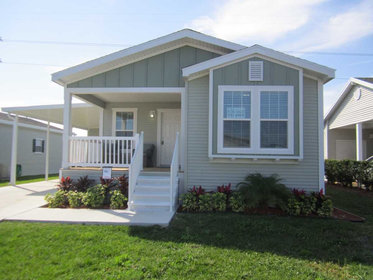 Palm Harbor Mobile Home For Sale In North Fort Myers Fl Mobile Home Landscaping Manufactured Home Remodeling Mobile Homes