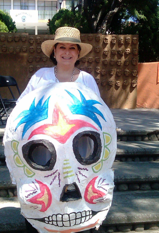 Adriana Perez de Legaspi en Curiosidades Gastronomicas http://curiosidadesgastronomicas.com/2012/09/conociendo-a-adriana-perez-de-legaspi/#