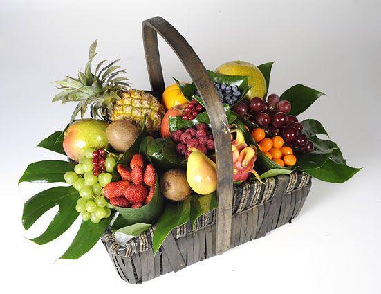 Www Floristeriapetalos Com Fruit Flower Basket Fruit Arrangements Fruit Basket Gift