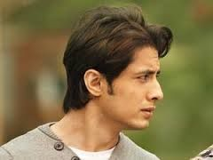 In His 3rd Movie I E Mere Brother Ki Dulhan Ali Zafar Was Casted As Luv Agnihotri Hairstyle Youtube Celebrity Hairstyles Mens Hairstyles