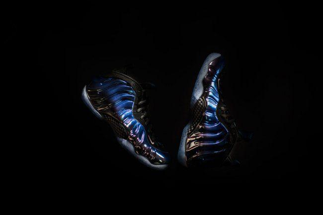 http://jumpmankicks.com/2015/12/27/nike-air-foamposite-one-blue-mirror-release-date/