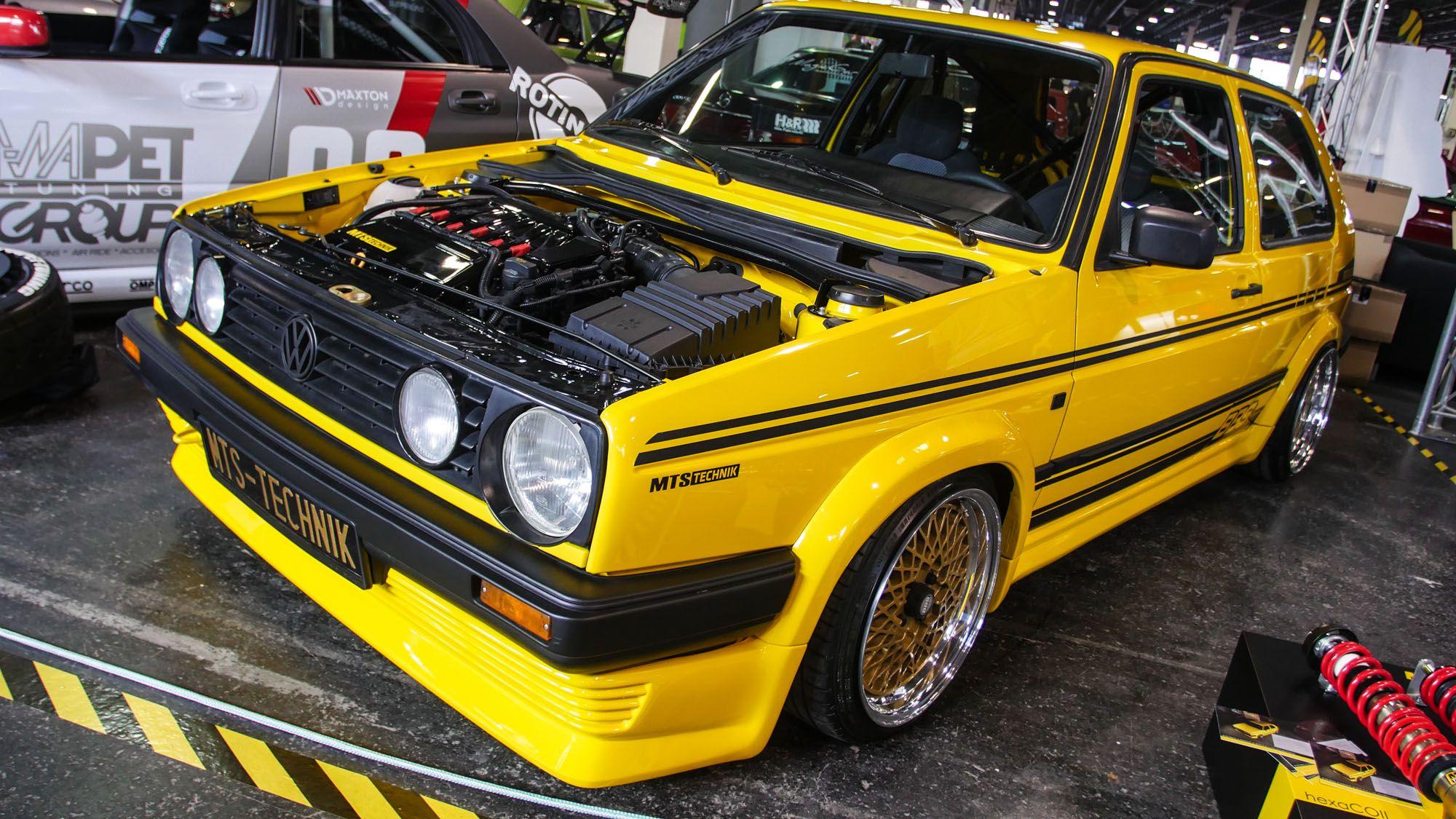 Retro Racer in knalligem Gelb VW Golf II BBS Magazin