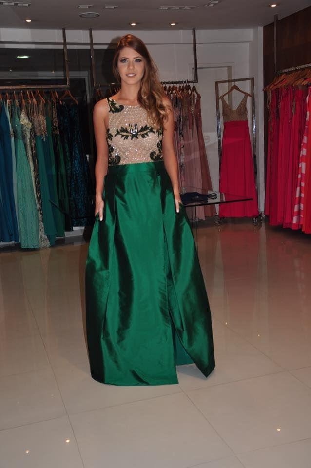 Vestido de festa longo na cor verde