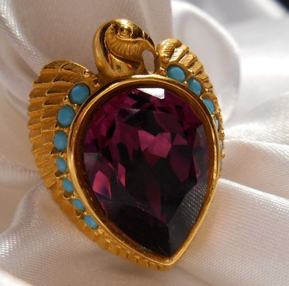 Elizabeth Taylor For Avon Egyptian Style Collection Falcon Ring With Large Amethyst
