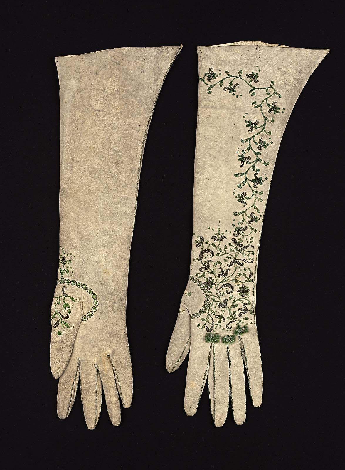 Pair of women's gloves, late 18th century. Soft cream ...