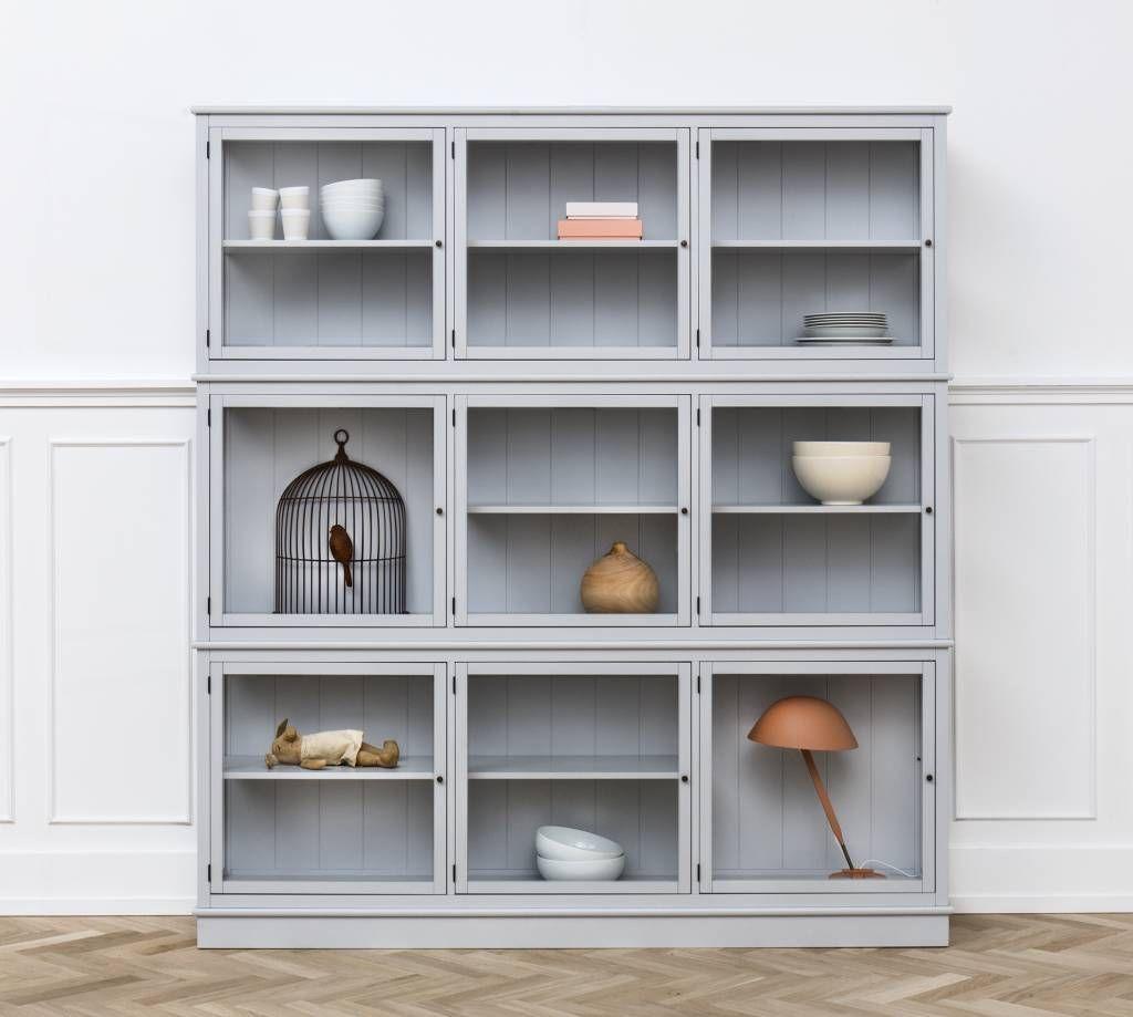 Grosse Glasvitrine Von Oliver Furniture In Grau Wird Vormontiert Geliefert Und Auf Wunsch Auch Aufgebaut Vitrinenschrank Vitrine Glasvitrine