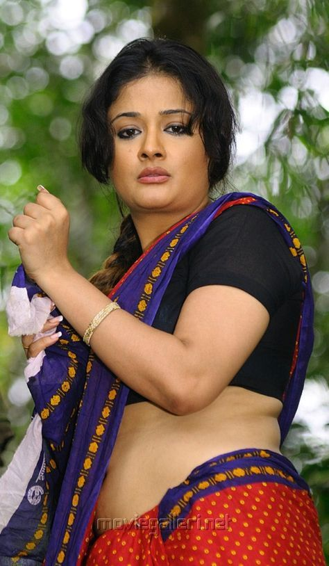 Kamapisachi wallpapers kiran rathod navel and saree kiran rathod thecheapjerseys Images