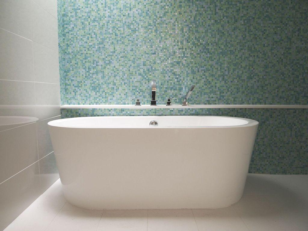 Daltile Bathroom Tile Contemporary Master Bathroom With Daltile City Lights 1 2 X 1 2