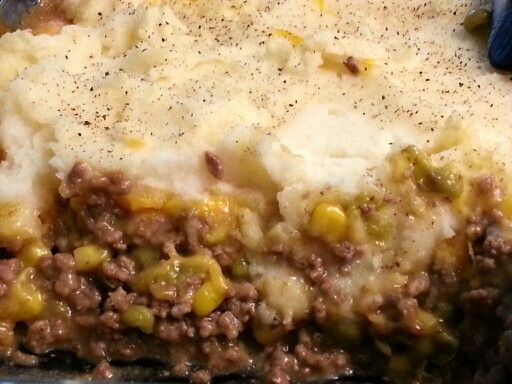 Easy Shepherd S Pie 1 Lb Ground Hamburger 7 Oz Canned Corn 7 Oz Canned Peas 1 Can Garlic Roasted Cream Of Mushroom Beef Recipes Meat Recipes Recipes