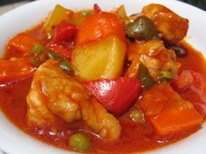 Chicken afritada recipe chicken recipes pinterest filipino one of the popular filipino chicken dishes is the afritada probably next totinola its a saucy chicken dish with vegetables s forumfinder Image collections