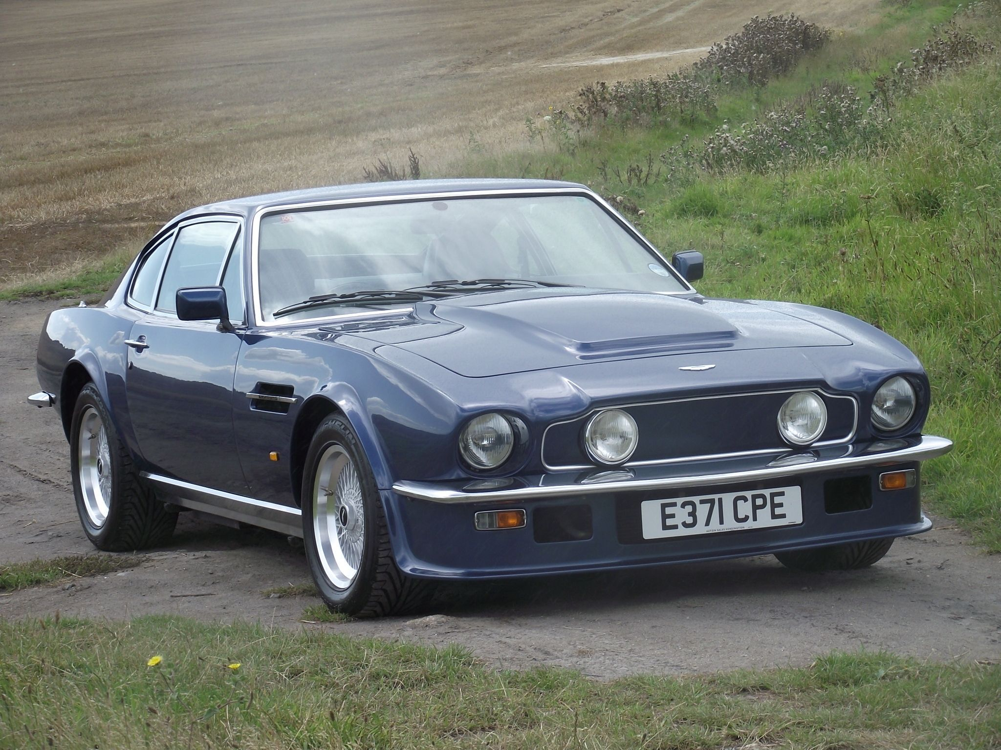1977 Aston Martin V8 Vantage : Classic Cars | Drive Away 2Day ...