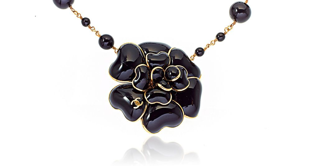 Chanel Black Camellia Flower Belt Necklace w CC Chanel Logo Gold Charm #Chanel #PinsBrooches