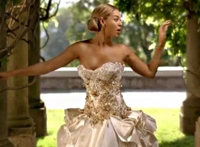 Beyonce S Wedding Dress On Sale For 30 000 With Images Old