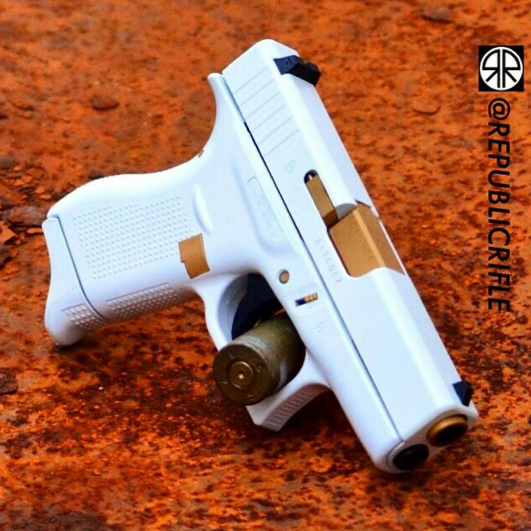 Glock 42 in white - for the ladies  | Every Day Carry