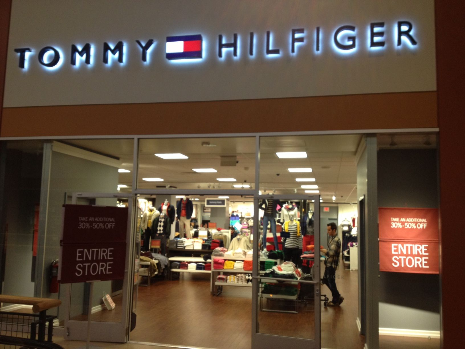 6eef4f5ae Pin by Mariah Kidman on Tommy Hilfiger Outlet | Tommy hilfiger ...