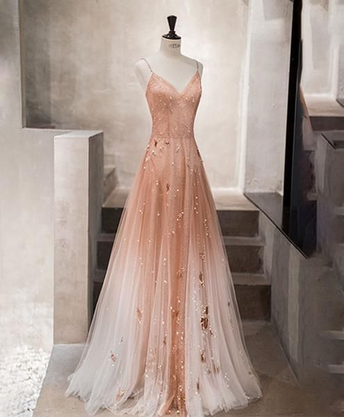 Einzigartiges langes Ballkleid aus rosa Tüll, Abendkleid aus Tüll