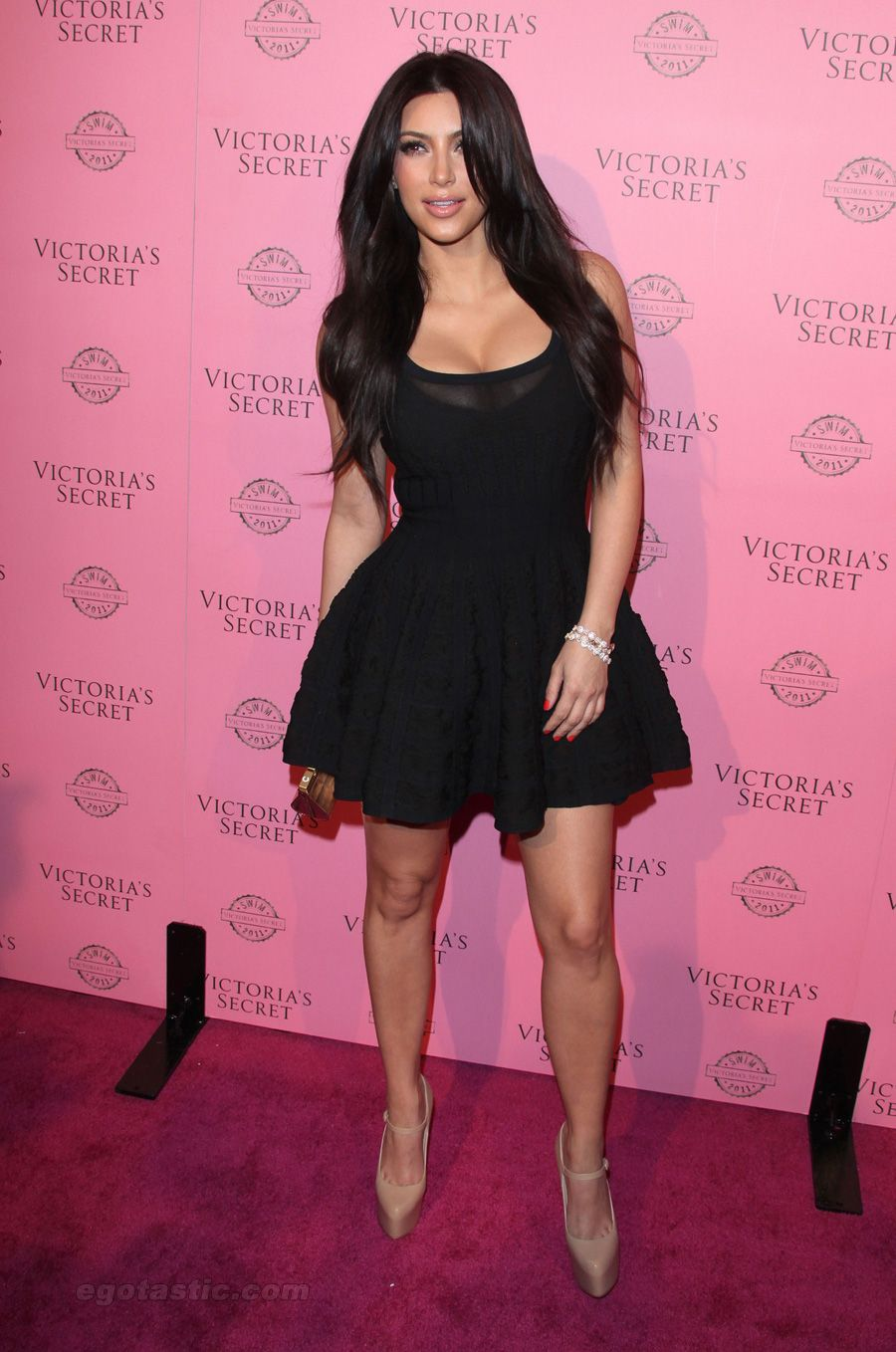 Kim Kardashian little black dress. Im in love with this dress! | Kim ...