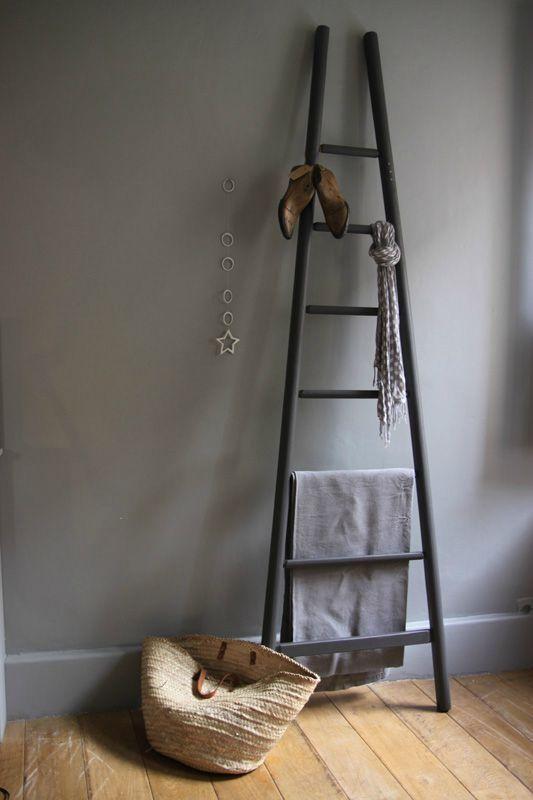 Valet de chambre decorative ladder chelle deco echelle bois deco deco - Valet de chambre bois ...