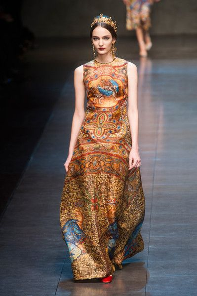 7d788ec99eaa Dolce   Gabbana Fall 2013 inspired by the height of Christianity  history