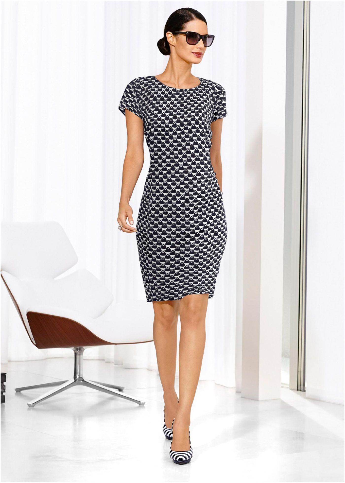 6b3b27a86a Vestido tubinho com estampa geométrica branco preto estampado encomendar  agora na loja on-line bonprix.com.br R  149