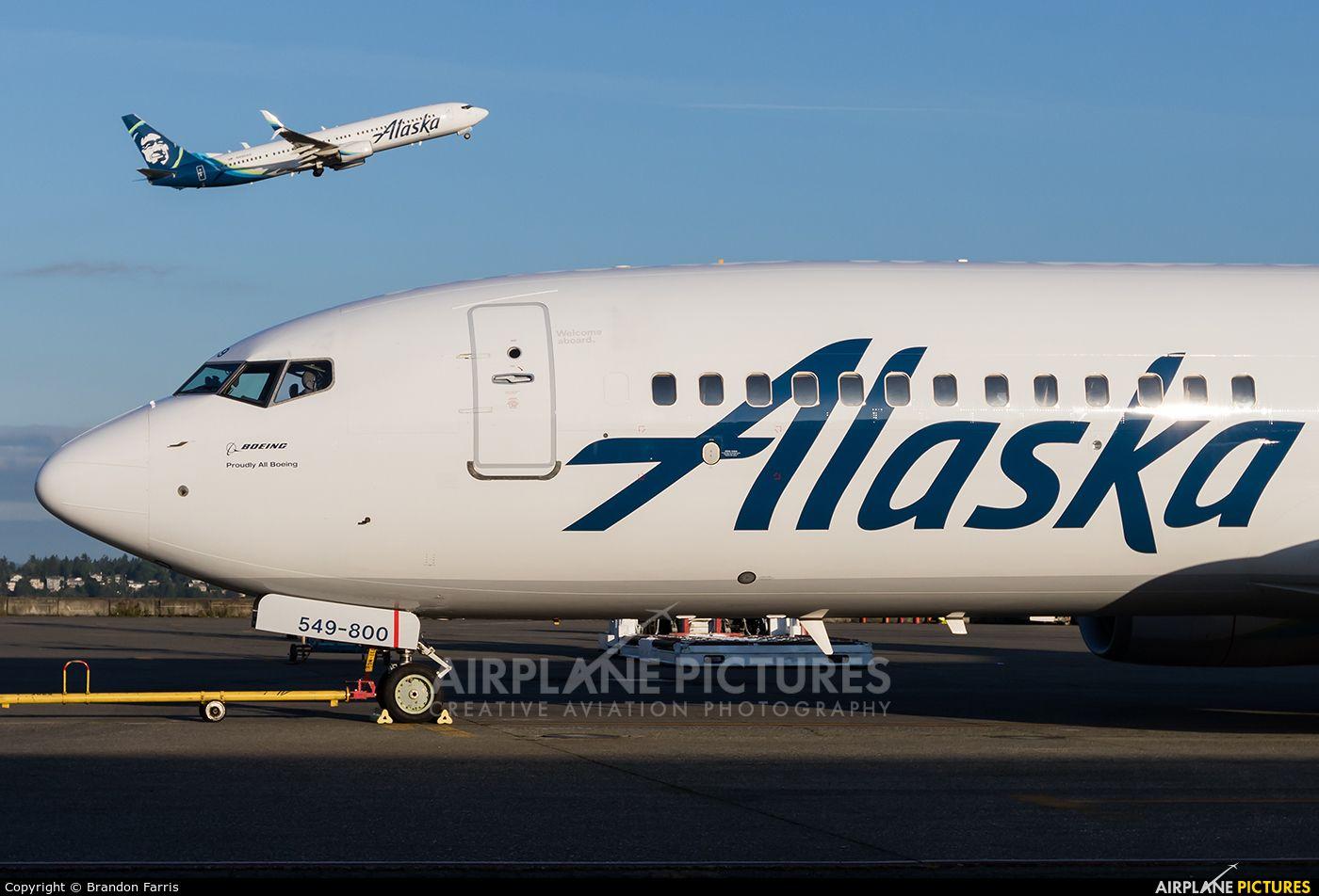 Alaska Airlines Boeing 737800 photo by Brandon Farris
