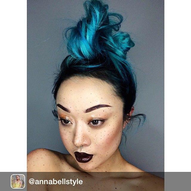 Repost from @annabellstyle via @igrepost_app, Got inspired by one of the looks by @maccosmetics / I'm wearing salem by @limecrimemakeup & depth by @topshop to add shine to my lips.  #freckles #summer #bronze #skin #wet #eyeshadow #look #darklips #grunge #motd #fotd