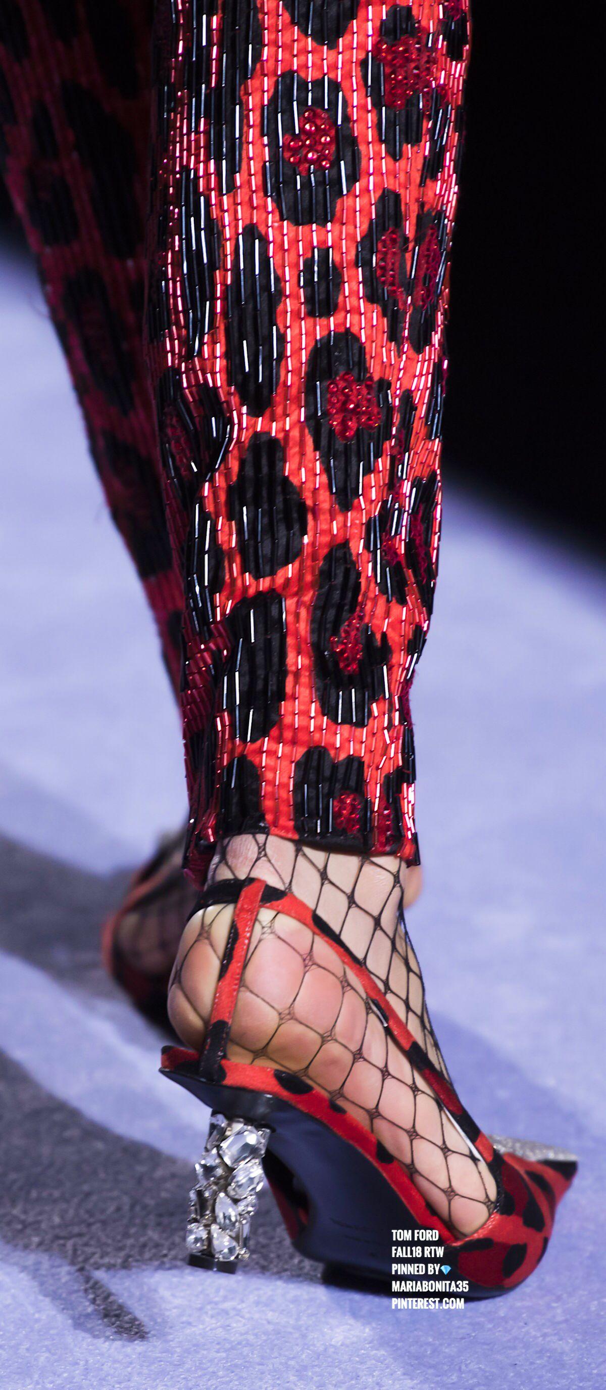 Tom Ford Fall18 Details Black N Red American Fashion Designers