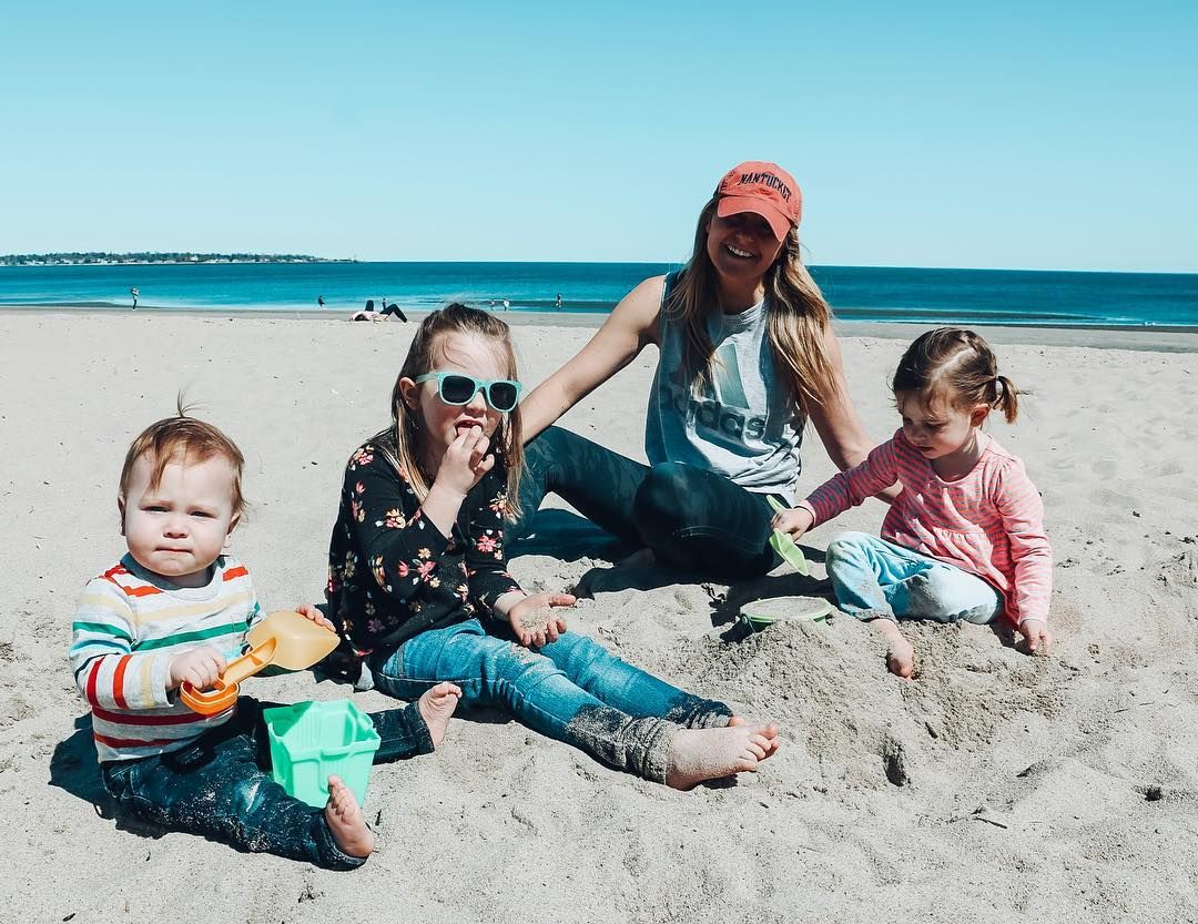 Beach days are the best days. 🏖 Not a bad way to spend our Tuesday afternoon. ☺️🙌🏻☀️❤️🌈 #momtruth #bekindtooneanother #momofthree #myhonestmotherhood . . . . . . . . . . . #motherhoodunplugged #motherhood #motherhoodsimplified #dailyparenting #parenthood #motherhoodinspired #mymotherhood #motherhoodthroughinstagram #motherhoodunited #motherhoodmoments #motherhoodthroughig #thisismotherhood #momof3 #motherhoodinstyle #motherhoodlife #momlife #momentsinmotherhood #igmotherhood #unitedinmotherh